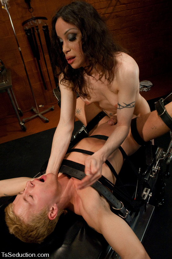 barbarella shemale - Hot ts Barbarella uses a machine to force a guy to satisfy her completely